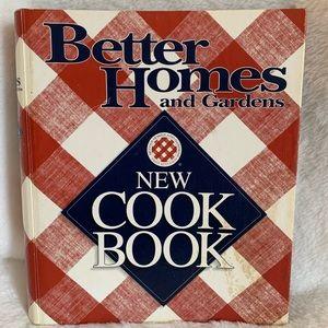 Better Homes and Gardens vintage spiral cookbook